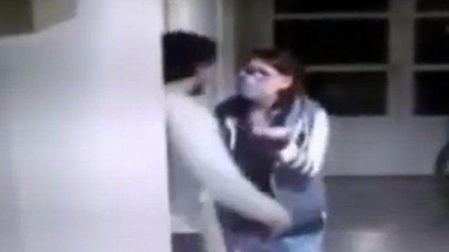 El agresor fue detenido varias horas después y trasladado a Villa Constitución.