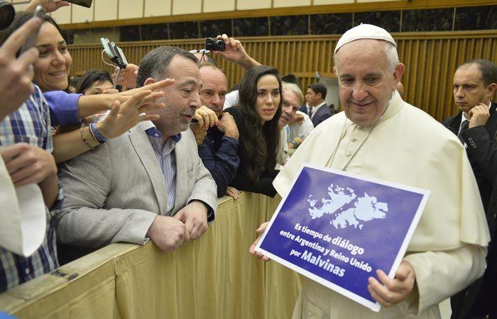 El Papa se sumó a la campaña que pide por el diálogo entre Argentina y Gran Bretaña.