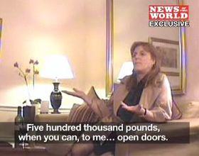 La duquesa de York pidió perdón tras ser filmada pidiendo coimas