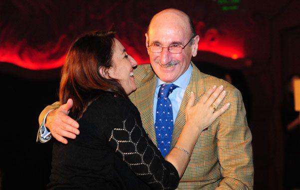 El prestigioso obstetra recibió un premio como personalidad destacada del Diario La Capital. Es un viejo amigo de la intendenta Mónica Fein.