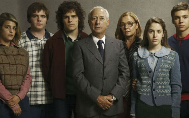 Francella y todo el elenco interpretan a la familia Puccio.