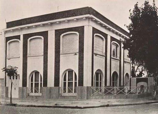 La casa de la familia Benzi en Oroño y Zeballos que fuera demolida para erigir un edificio.