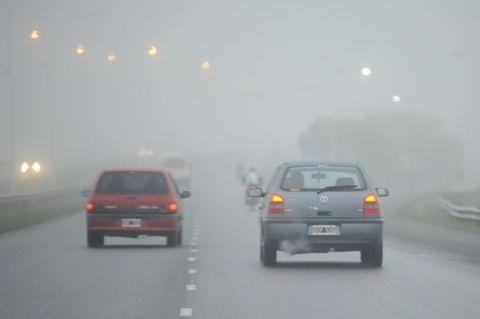 La ruta 9 está totalmente cortada desde Zárate hasta Rosario debido a la intensa niebla. (Foto archivo: S.S.Meccia)