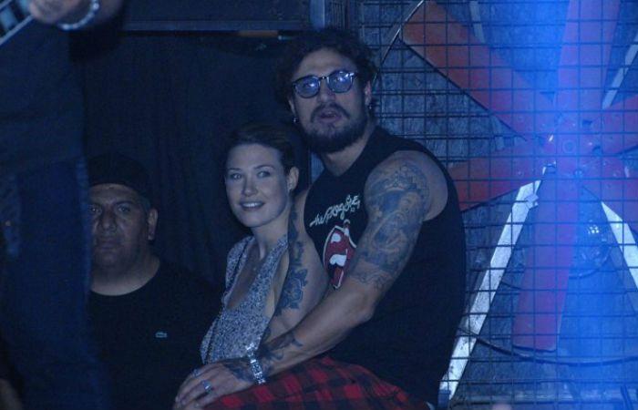 Benedetta Mazza y Daniel Osvaldo en el show que dio La 25.