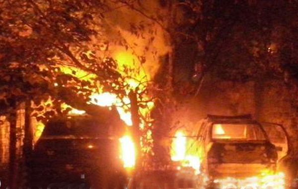 El incendio en la subcomisaría de barrio Las Flores se produjo el sábado pasado. (Foto:@rosarioalerta)
