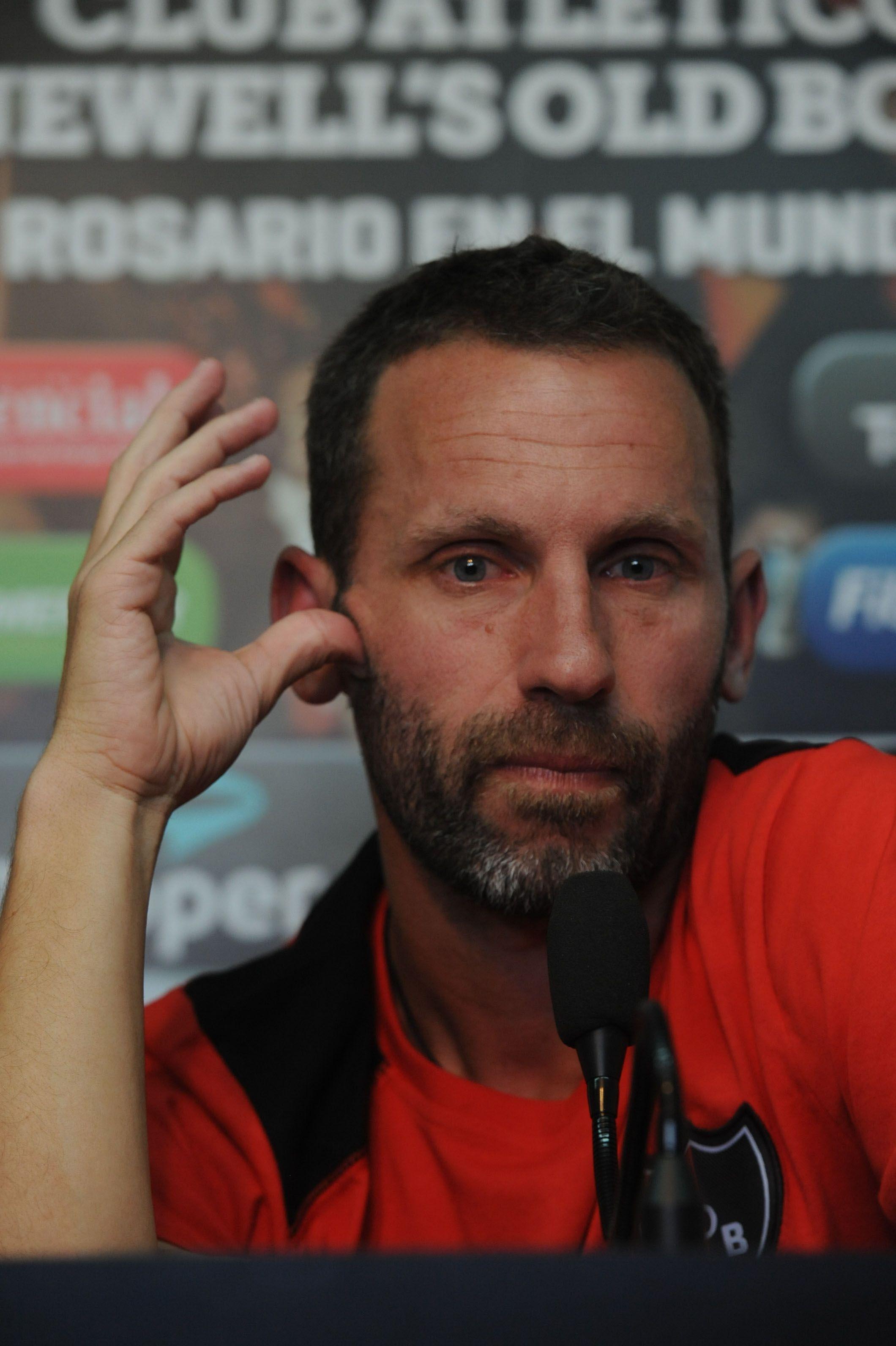 Lucas Bernardi podría sumarse al cuerpo técnico de la selección argentina que encabeza el Tata