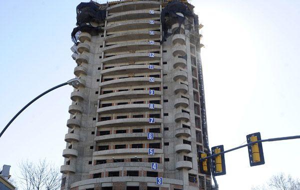 En la mira. El permiso de edificación de la torre quedó bajo sospecha.