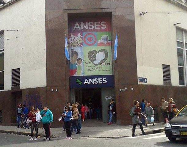 Las oficinas de Ansés reciben consultas sobre la nueva moratoria.