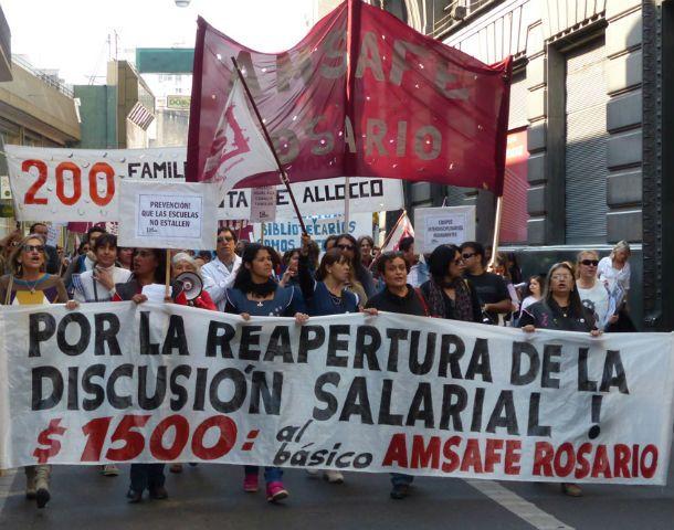 Los reclamos salariales forman parte de las reivindicaciones más postergadas de los docentes.