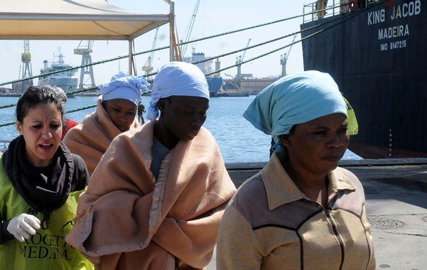700 inmigrantes desaparecen en el peor naufragio en Italia