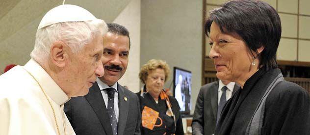 Benedicto XVI recibió a la nueva presidente de la organización policial internacional