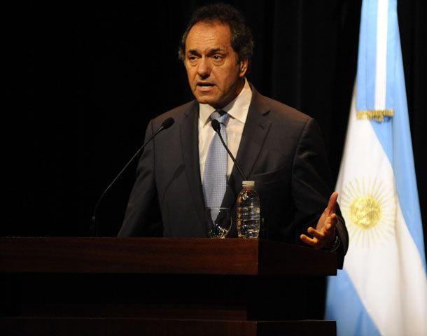 El gobernador bonaerense disertó hoy en la Bolsa de comercio de Rosario. (Foto: N. Juncos)