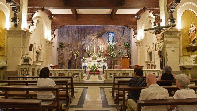 Bella postal. La basílica de Santiago 1165.