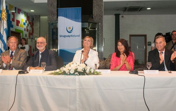 Las autoridades del Ministerio de Turismo del país vecino.