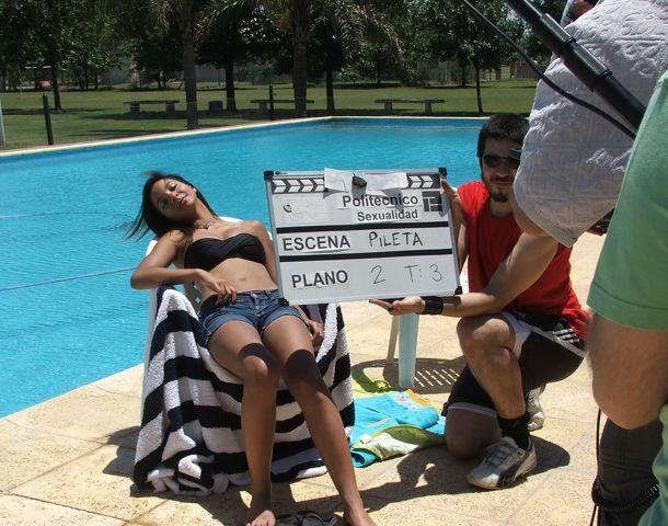En plena filmación. El video educativo fue protagonizado por los estudiantes del Politécnico.