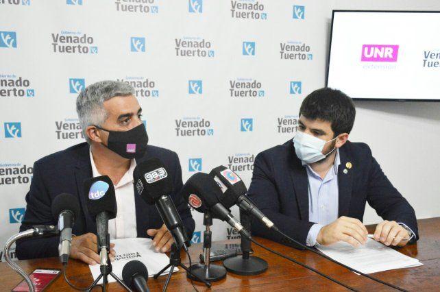 El intendente Leonel Chiarella y el rector de la UNR