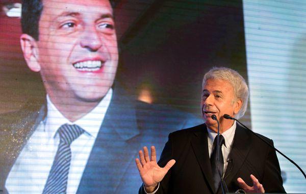 Massa y de la Sota firmaron el documento para la constitución del frente electoral Unidos por una Nueva Argentina (UNA).