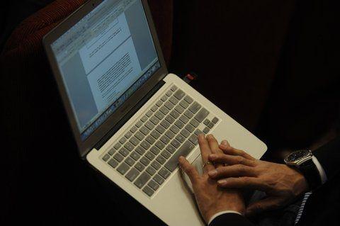 en alerta. Desde una notebook se puede llevar adelante una estafa.