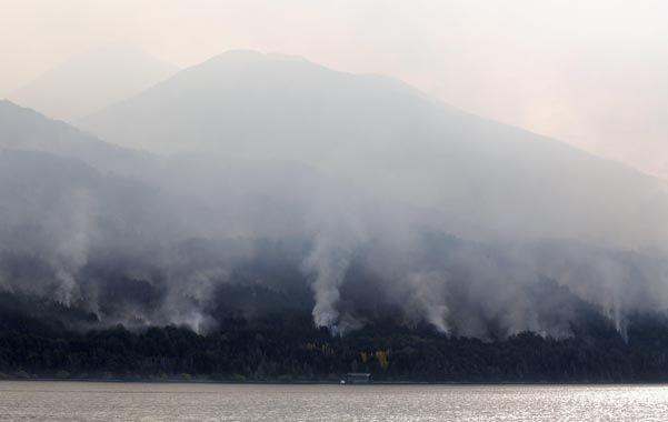 Villa del lago futalaufquen. Los incendios forestales causan estragos en la cordillera del noroeste chubutense.