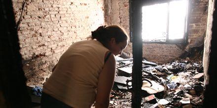 Un incendio consumió una habitación de un departamento en Urquiza al 1000