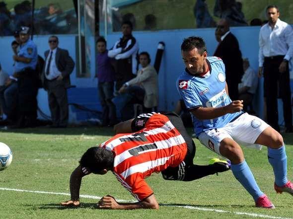 Estudiantes y Belgrano cerraron el campeonato con un pálido empate