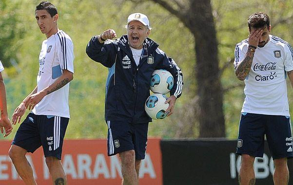 Sabella estuvo ayer por la mañana en el entrenamiento de Barcelona y conversó por algunos instantes con Lionel Messi.