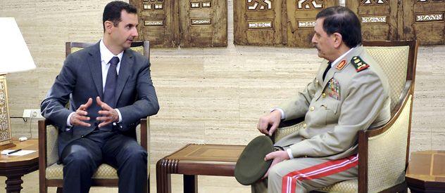 Assad se mostró ayer en TV con su nuevo ministro de Defensa. No se precisó dónde se grabó el video