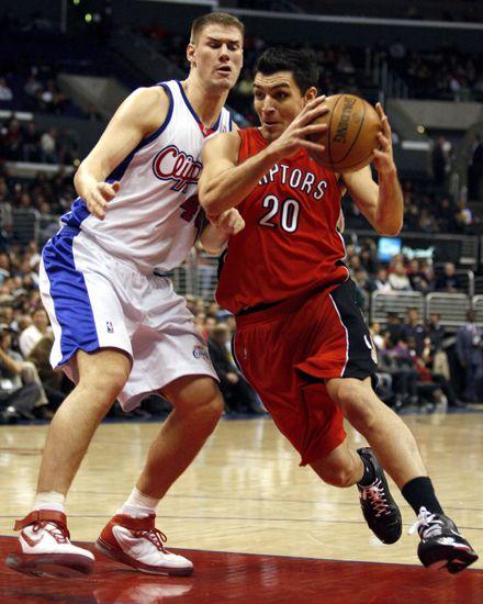 NBA: ganó Toronto con Delfino y perdió Chicago con Nocioni
