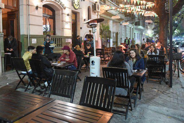 Desde la Municipalidad aseguran que extender el horario de los bares está supeditado a la evolución de los indicadores sanitarios