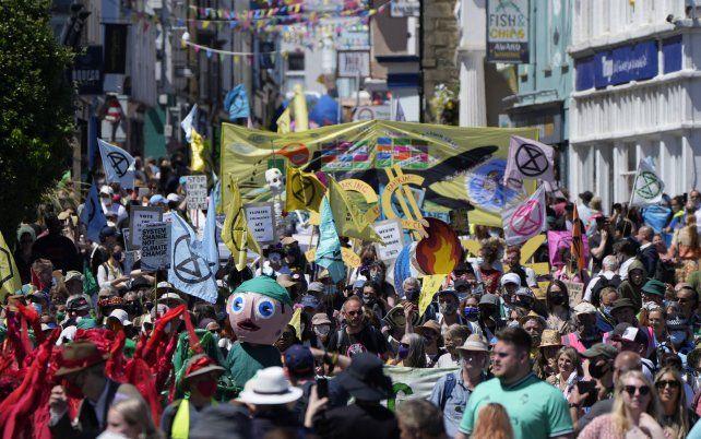 Colorida manifestación en Falmouth