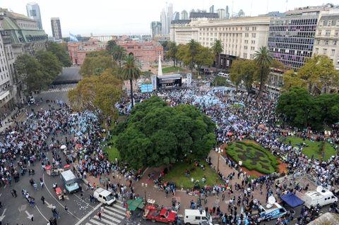 Moyano y Barrionuevo movilizaron a la Plaza de Mayo a las CGT opositoras