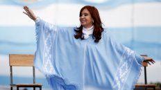 Cristina Kirchner sorprendió en el cierre de listas en Santa Fe y apoyó a los candidatos de Perotti.