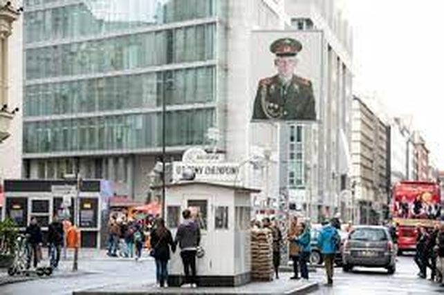 Berlín pasó en 5 años de ser una ciudad barata a una de las más caras de Europa. Cuatro de cada cinco berlineses alquila.