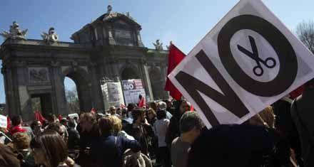 España recortará 10 mil millones de euros en sanidad y educación