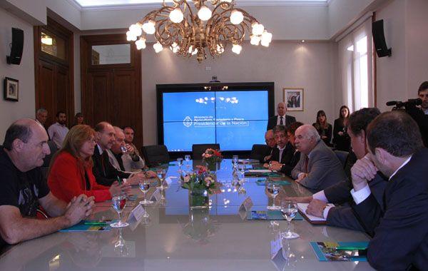 Omar Perotti participó activamente de la reunión en la sede del Ministerio de Agricultura.