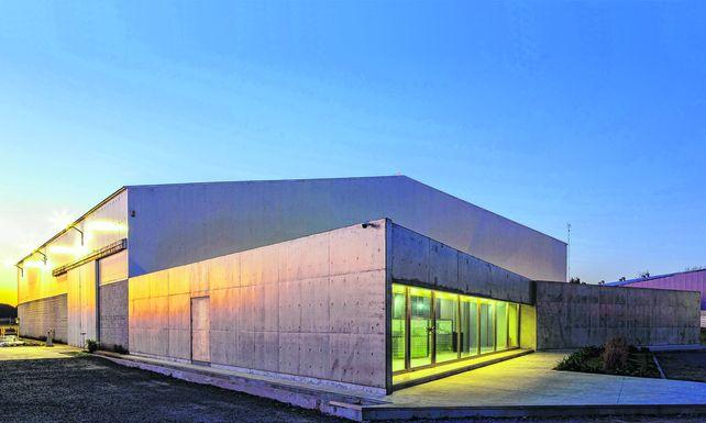 Oficinas y Nave Industrial Ebinox SRL