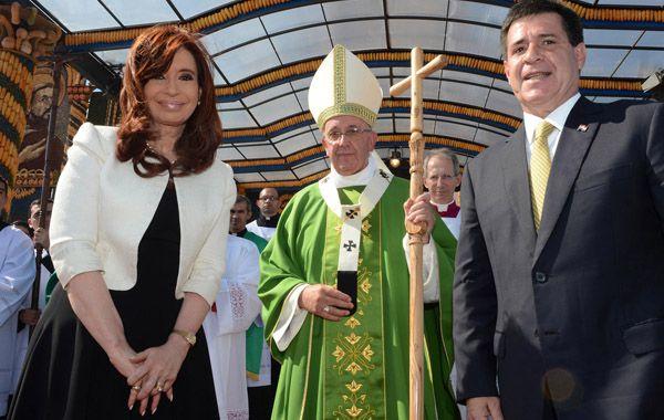 La presidenta Cristina Fernández tras el saludo al papa Francisco en Asunción. (Foto: Télam)