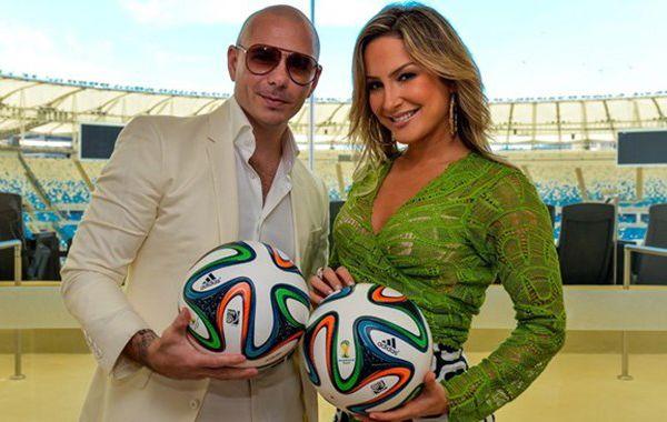 El rapero Pitbull y Jennifer López.