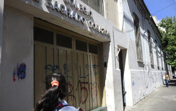 El Colegio Sagrado Corazón. Ayer hubo tensión en la calle por temor a una batalla campal.