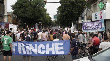 Marcha, bicicleteada, pidiendo mas seguridad y justicia por la muerte del Trinche Carlovich y varias victimas mas de violencia en la ciudad. Córdoba y Paraná fue el punto de encuentro.