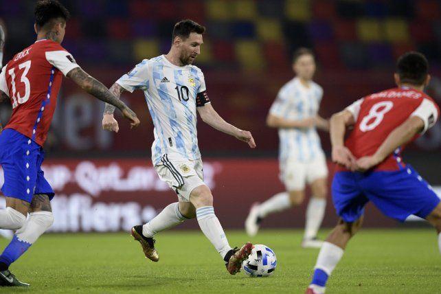 Con gol de Messi de penal, Argentina igualó 1 a 1 con Chile por eliminatorias