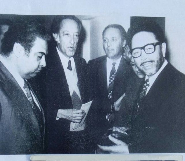 Tucho flanqueado por Ubaldo De Lío y Horacio Salgán.