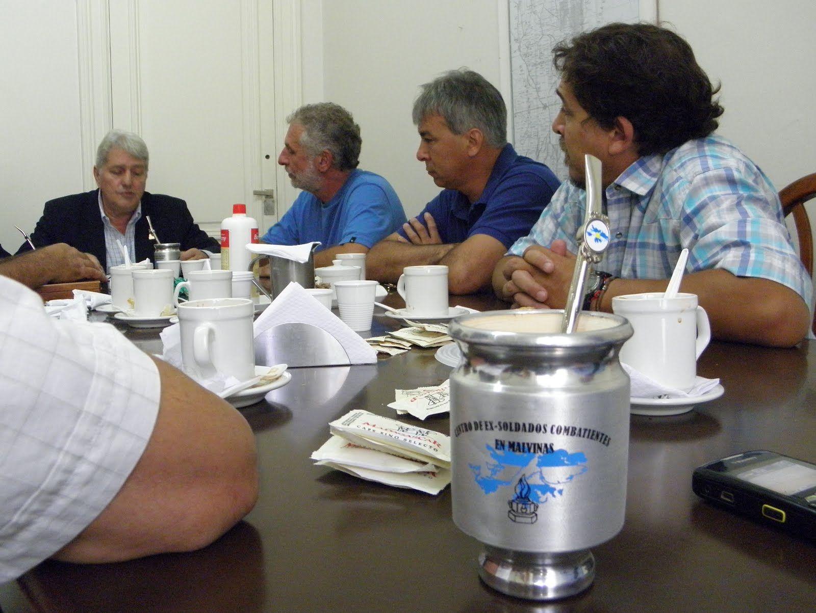 El Defensor del Pueblo rinde tributo a los ex combatientes de Malvinas