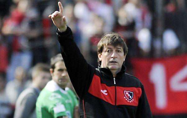Marca el camino. Berti supo mantener a Newell's en los primeros planos. (Foto: G. de los Ríos)