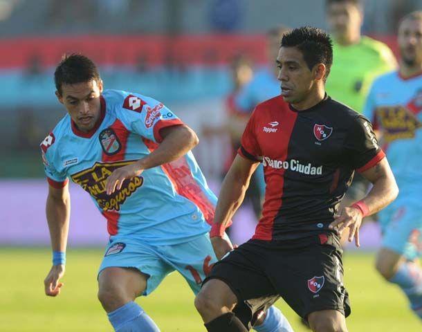 Víctor Figueroa estuvo esta tarde en el ataque rojinegro.