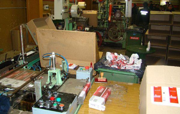 En la planta allanada el martes por un delito económico se encontró maquinaria de alta calidad.