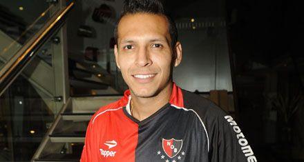 El colombiano Juan Domínguez debuta como titular Newells ante Boca