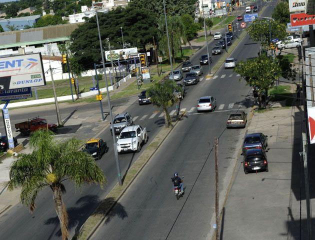 Proponen que el acceso oeste a Rosario sea de una sola mano para los autos particulares.