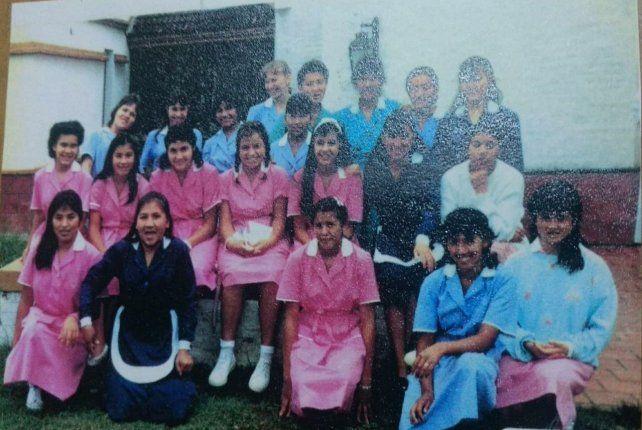 Alumnas del Instituto de Capacitación Integral de Estudios Domésticos (Icied), en Bella Vista, Buenos Aires, que preparaba a menores como domésticas profesionales para servir al Opus.