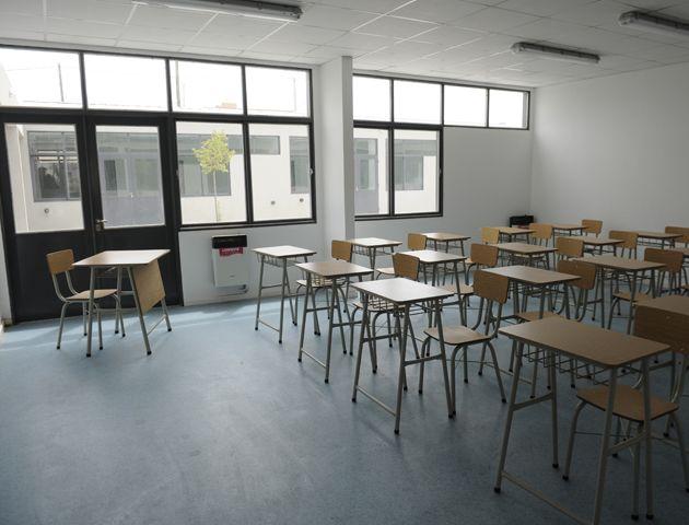 Los encargados del colegio buscan fondos para mejorar la seguridad del nuevo edificio y resguardarse de posibles robos.(Foto: F. Guillén)